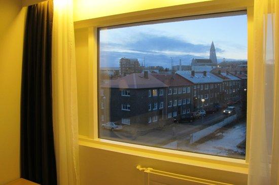 Fosshotel Lind: view of Hallgrímskirkja frm our room