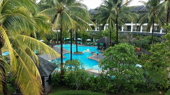 Khaolak Orchid Beach Resort: The family pool area