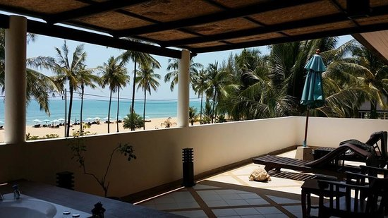 Khaolak Orchid Beach Resort: The magnificent view