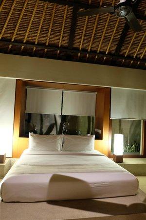 The Bale : Bedroom (night)