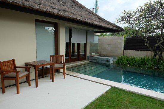The Bale : Pool & Villa