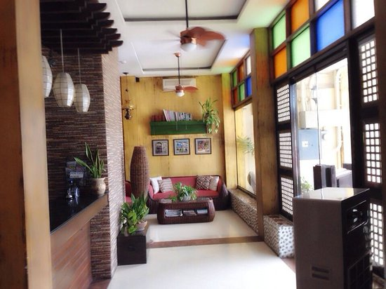 Las Casitas de Angela Inn : their country style themed lobby