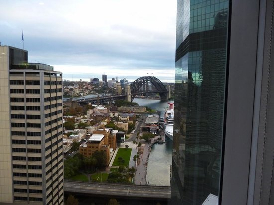 Sydney Harbour Marriott Hotel at Circular Quay: Bridge view from Executive Lounge