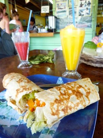 The Snack Shack : Huge burritos and fruit drinks