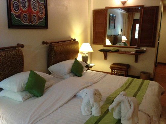 Chaba Cabana Beach Resort: room