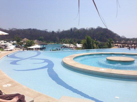 Secrets Huatulco Resort & Spa: Pool view