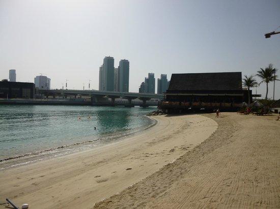 Beach Rotana : Beach