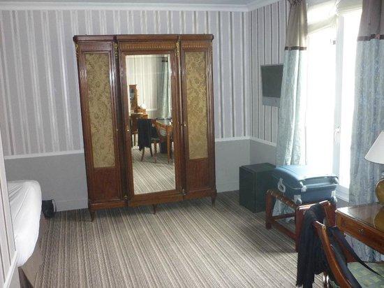Hotel Brighton - Esprit de France : Zimmer