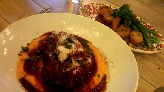 The Italian Farmhouse: Fabulous osso bucco.