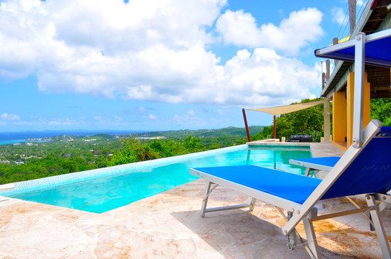 Vieques Villa Gallega A-16-N: Pool