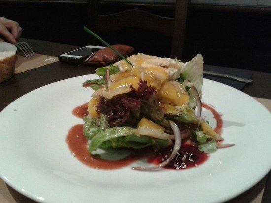 Bar Restaurante Artwohl: Ensalada de quesos