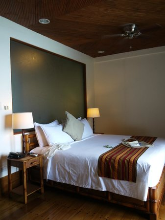 El Nido Resorts Miniloc Island: Deluxe Seaview Room Interior