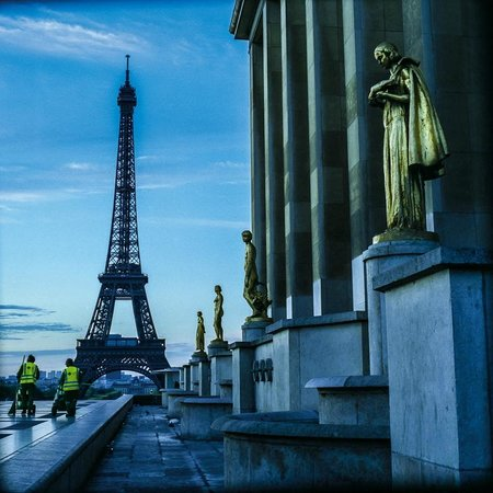 Cities at Dawn Photography Workshops: Eiffel Tower at dawn, Paris