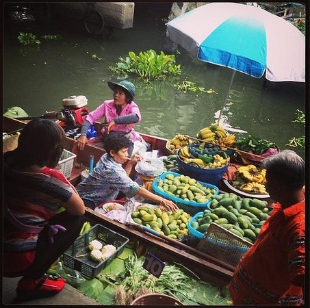 Small Teak Boat Canal Adventure: floating market