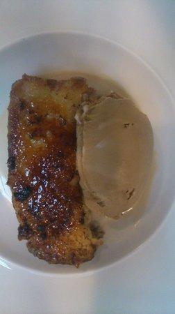 Restaurante Inigo Lavado: torrija caramelizada con helado de café con leche