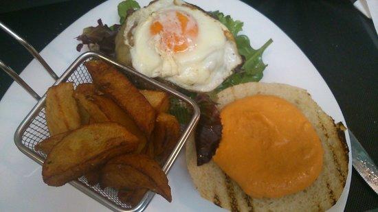 Restaurante Inigo Lavado: hamburguesa