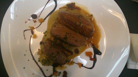 Restaurante Inigo Lavado: Confit de pato con puré de manzana y orejones y frutos secos