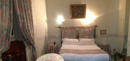 Hotel Le France : chambre Sup