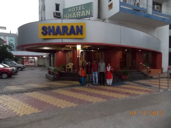 Hotel Sharan: Outer View