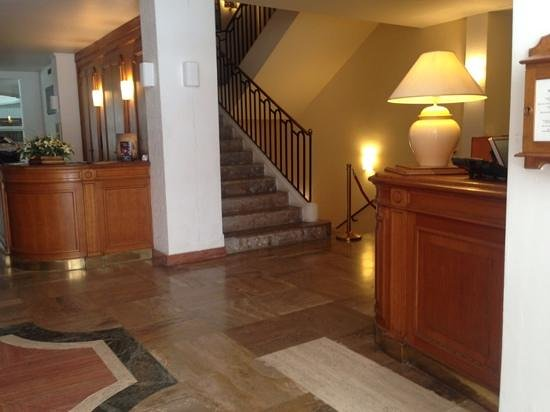 Grand Hotel de Calvi: reception & entrance view