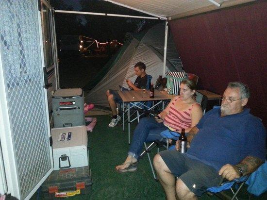 Hawker Caravan Park: Relaxing after a long day.