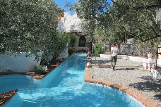 Maison et musée Salvador Dalí : бассейн