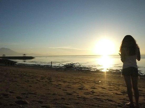 Kayumanis Sanur Private Villa & Spa: Sanur beach sunrise
