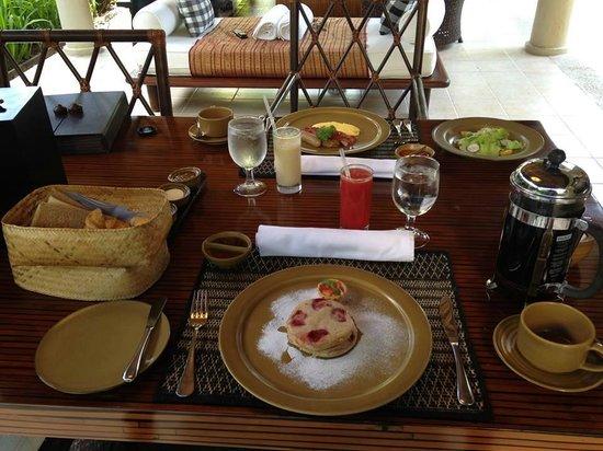 Kayumanis Sanur Private Villa & Spa: breakfast