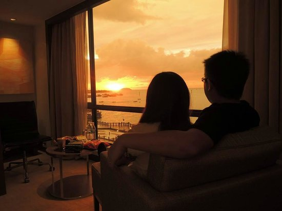Hyatt Regency Kinabalu: Romance sunset at room