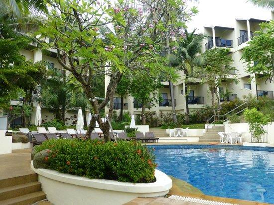 Horizon Karon Beach Resort & Spa : hotel grounds