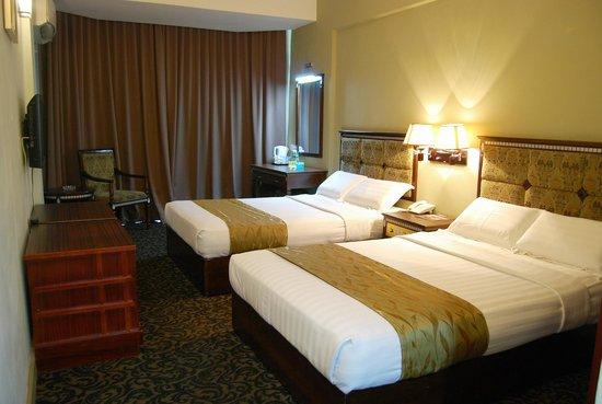 Greenleaf hotel : DOUBLE QUEEN BEDROOM