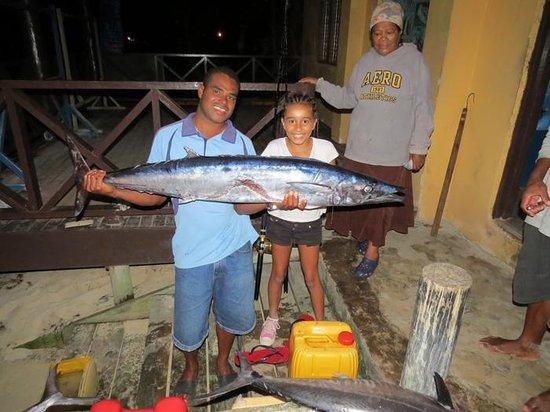 Ratu Kini's Backpackers and Dive Resort: Fresh Fish arriving at Ratu Kinis April 2014