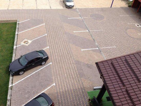 Hotel Crisalpin: Parking lot