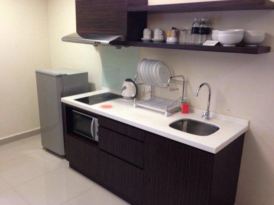 Fahrenheit Suites : 2 bedroom, rm H130... Kitchen