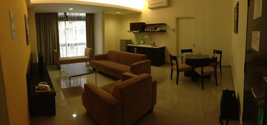 Fahrenheit Suites: Living and dinning, 2 bedroom