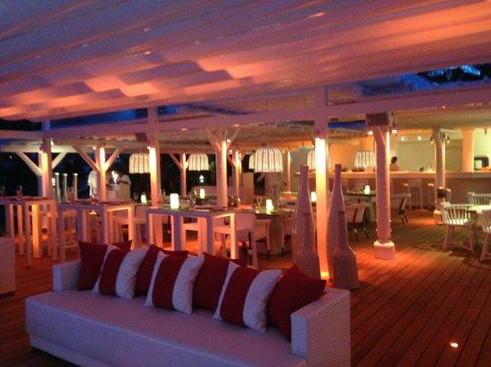 LUX* Belle Mare : restaurant plage