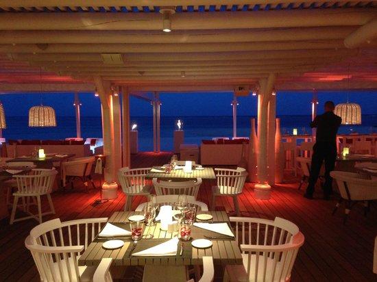 LUX* Belle Mare: restaurant plage
