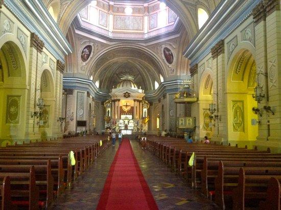 Basilica of St. Martin de Tours: Inside the basilica