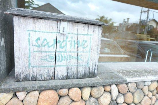 Sardine: Entrance