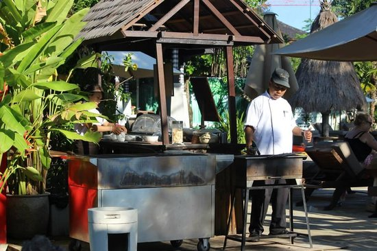 Rama Beach Resort and Villas: Satay Corner by the Pool Area