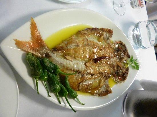 Meson Arropain Restaurante : Besugo