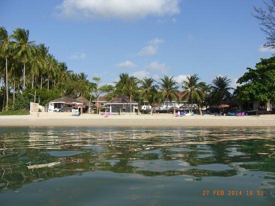 Rajapruek Samui Resort: Hotelstrand vom Meer aus betrachtet