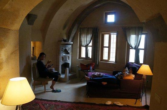 Argos in Cappadocia: Our suite's salon