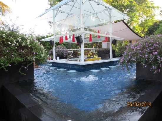 Segara Village Hotel: Pool Bar Area - this is awesome