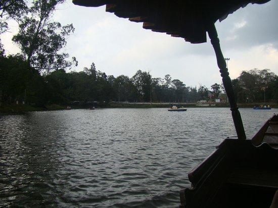 The Carlton : Boat ride