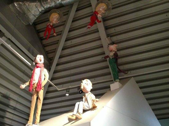The Roald Dahl Museum and Story Centre: roof decor
