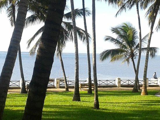 The Plaza Beach Hotel: Sea view