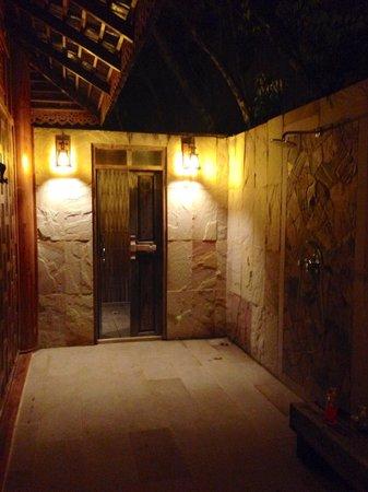 Santhiya Koh Yao Yai Resort & Spa : Awesome outdoor shower