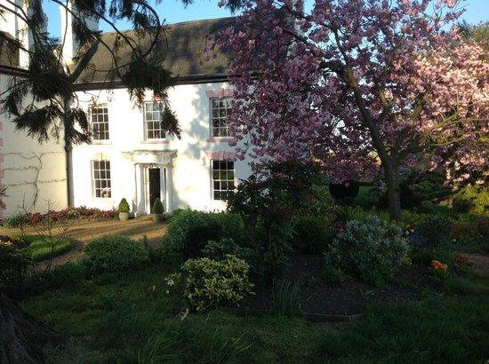 Lawford Hill Farm: House
