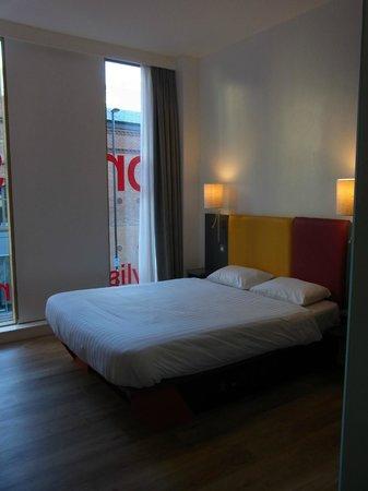 Sleeperz Hotel Newcastle: シンプルな室内